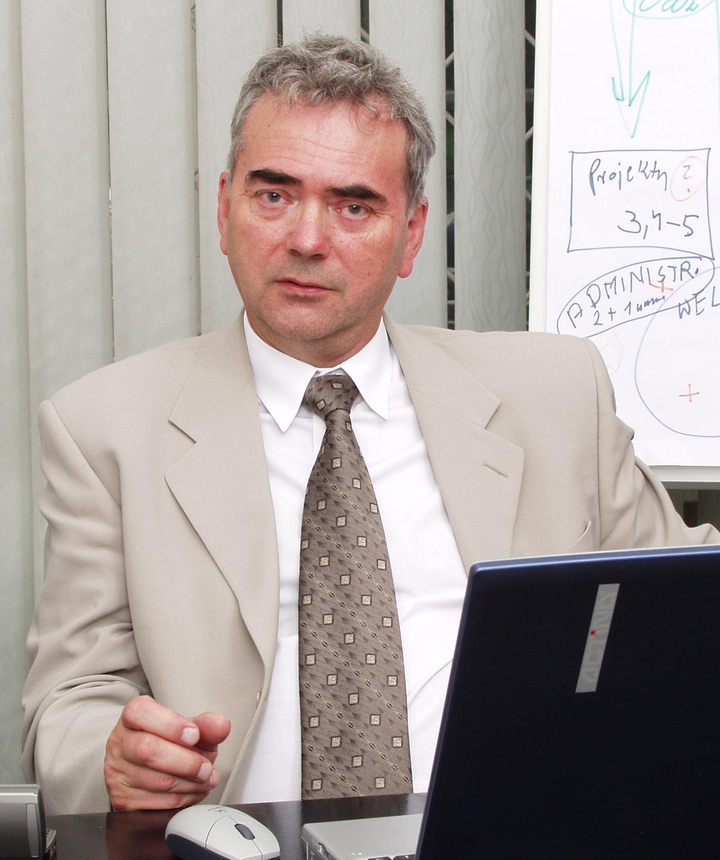 dr Tadeusz Wojewódzki
